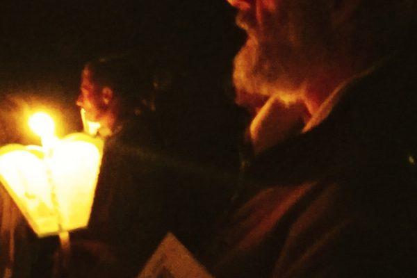 Père Daniel entre ombre et lumière